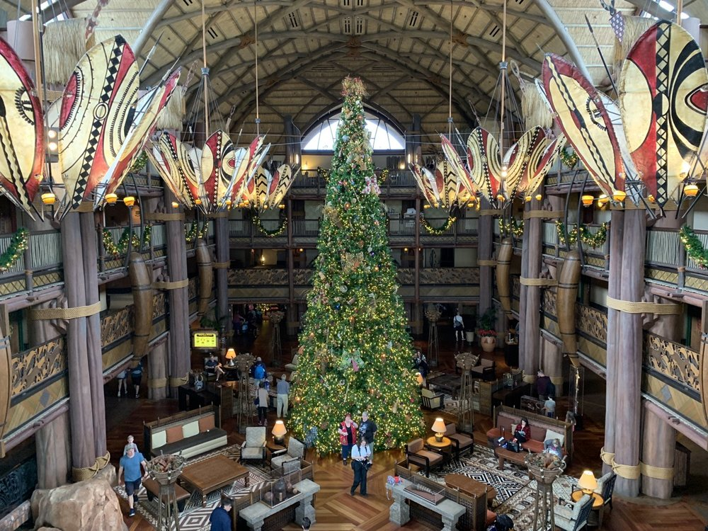 animal kingdom lodge christmas tree 2.jpeg