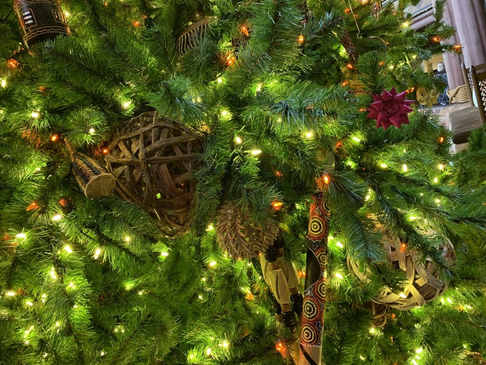 animal kingdom lodge christmas tree 3.jpeg