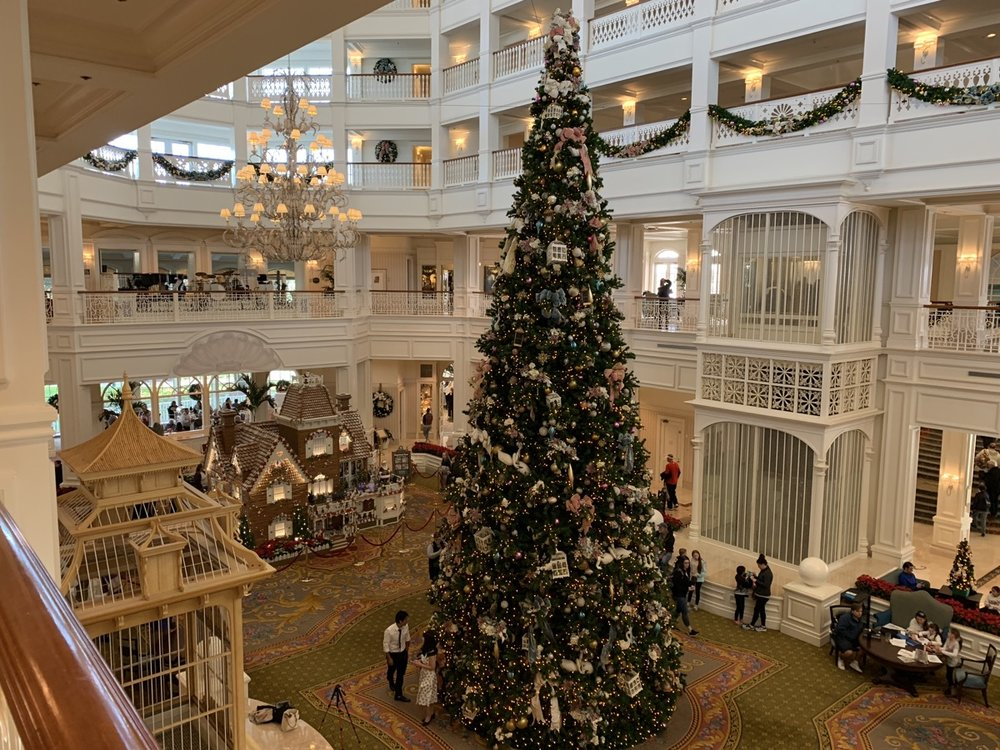 grand floridian christmas tree 3.jpeg