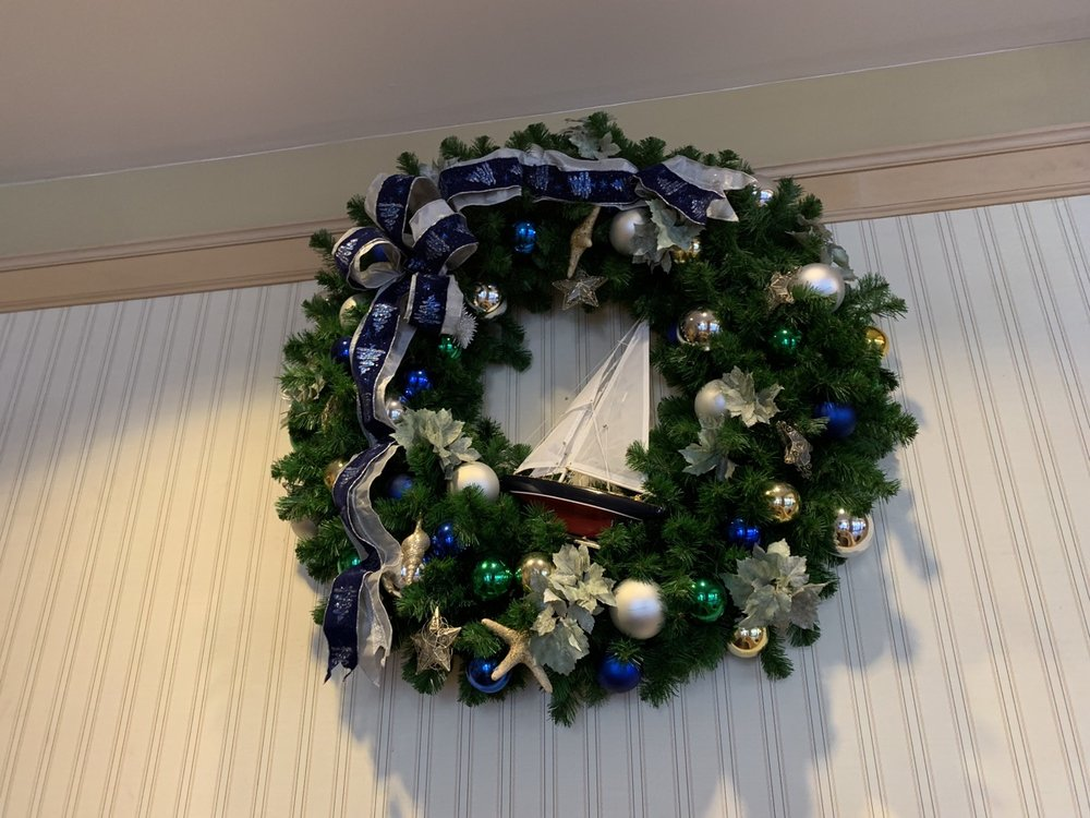 yacht club christmas decorations 6.jpeg