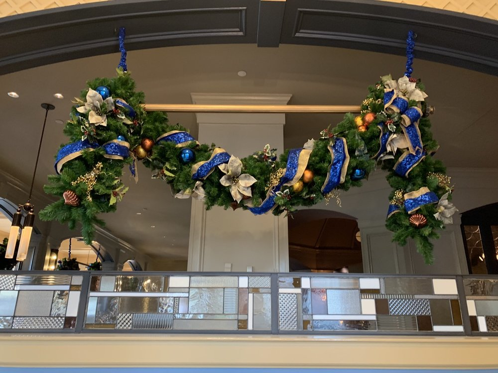 yacht club christmas decorations 7.jpeg