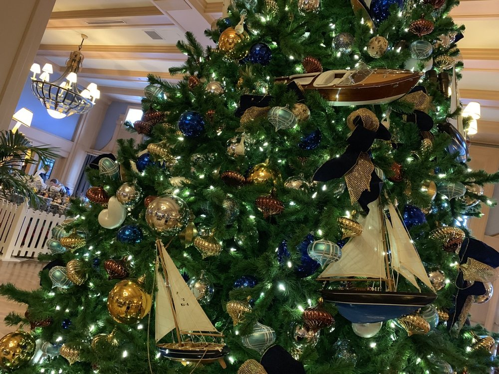 yacht club christmas tree 3.jpeg