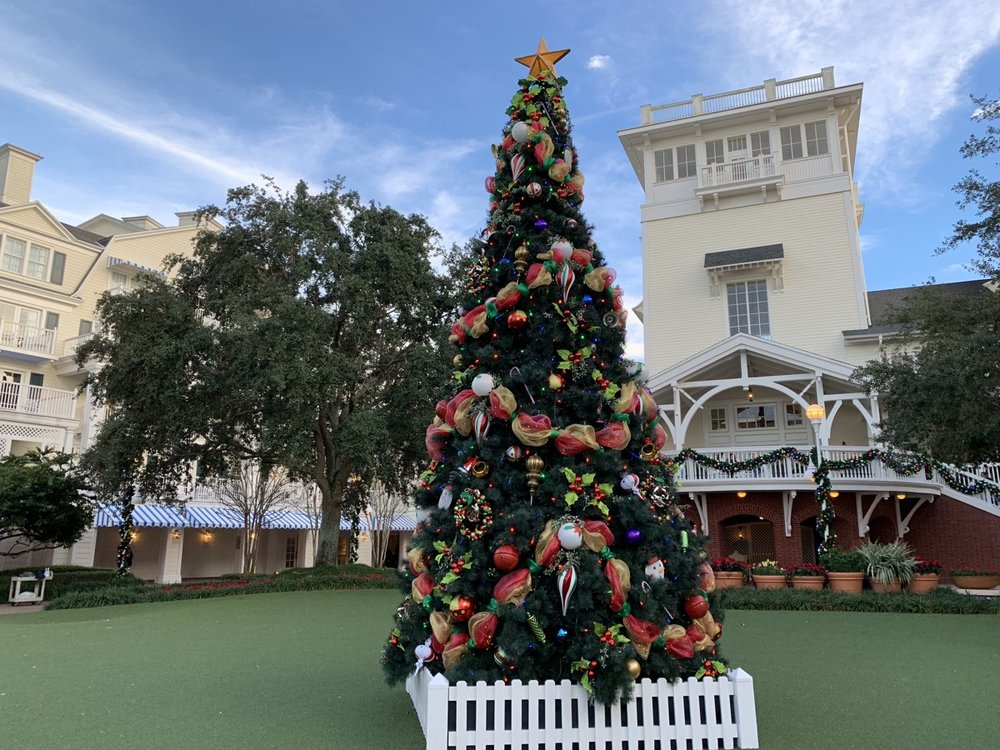 boardwalk inn christmas tree 1.jpeg