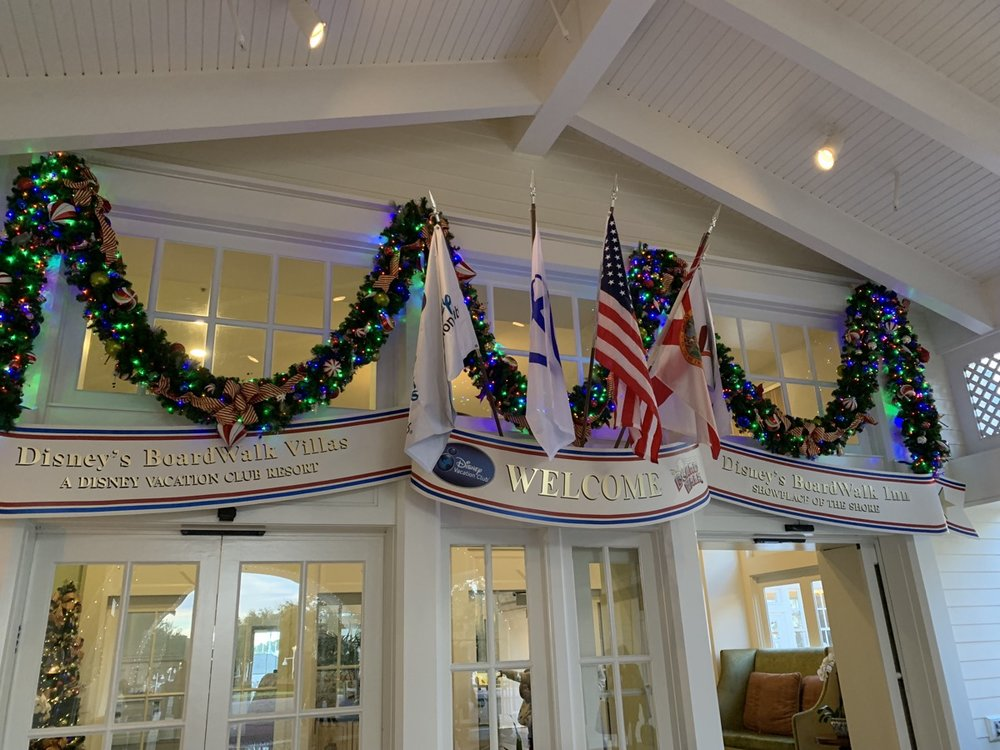boardwalk inn decorations 2.jpeg