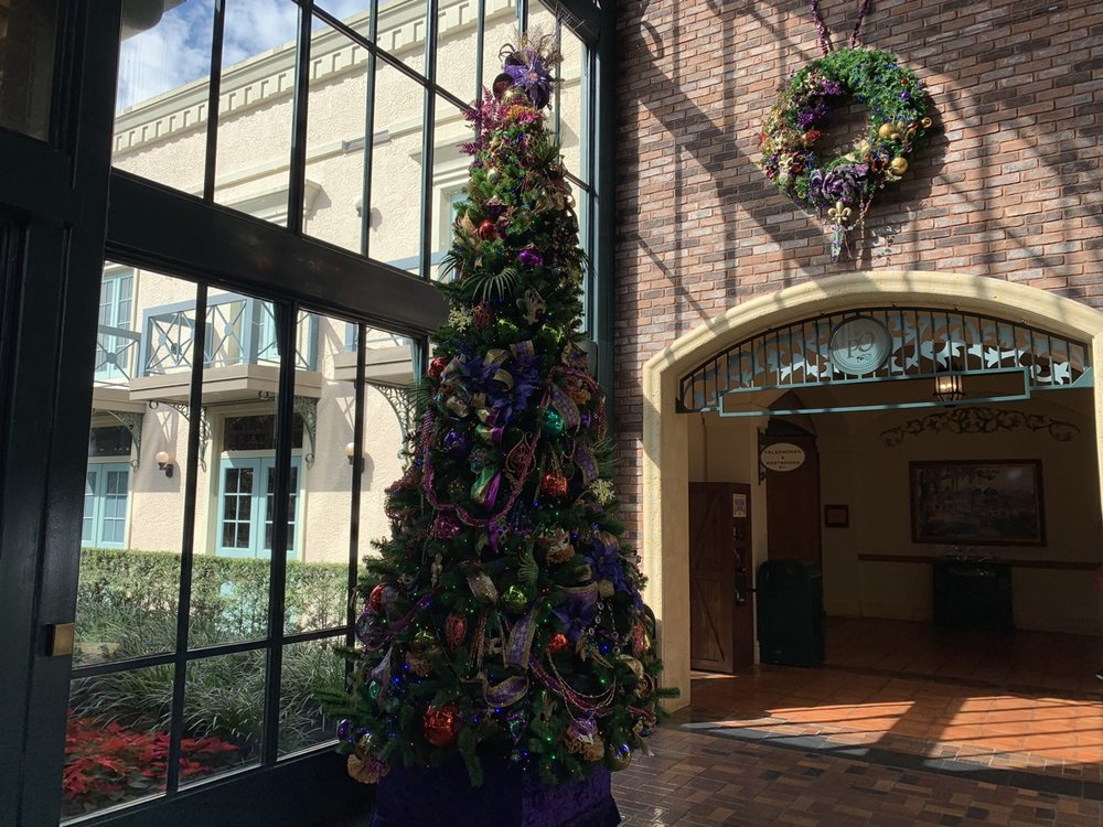 port orleans french quarter christmass trees 3.jpeg