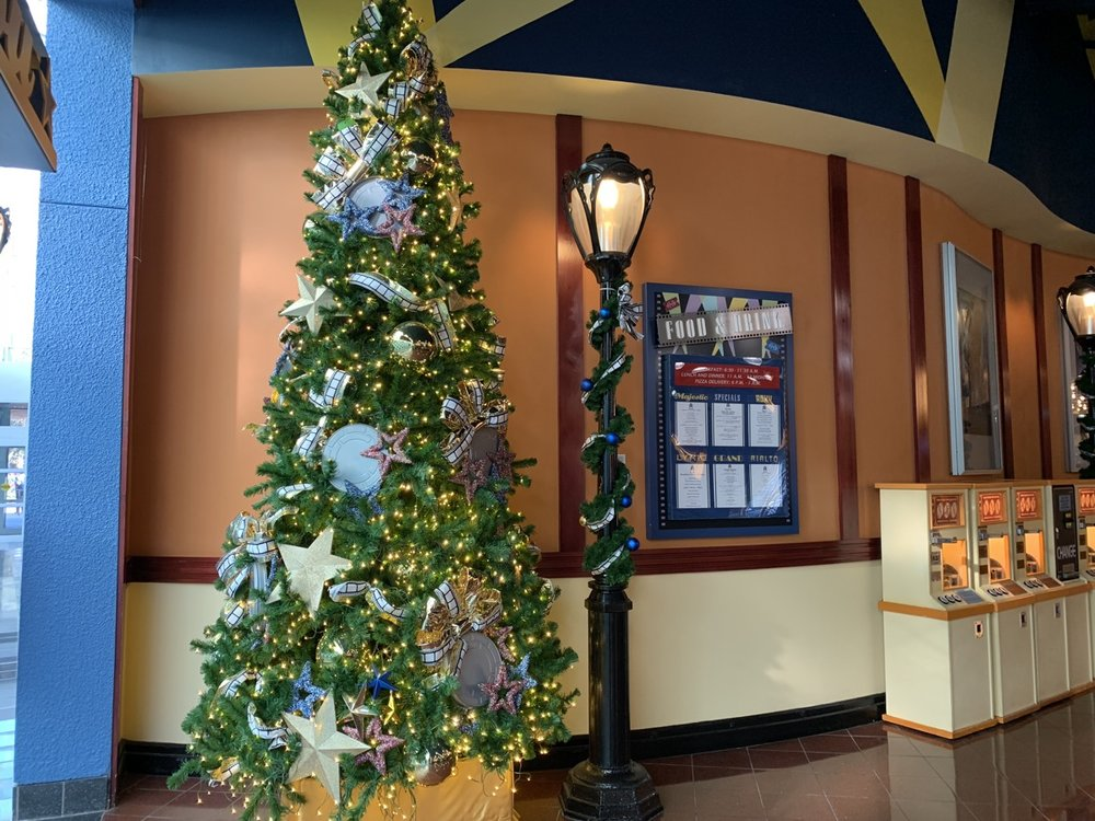 christmas at walt disney world all star movies tree 4.jpg