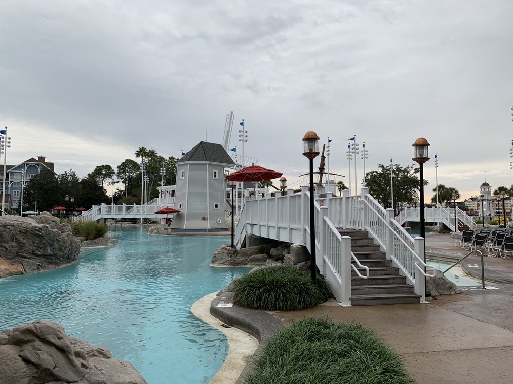 review of disneys yacht club resort stormalong bay 2.jpg