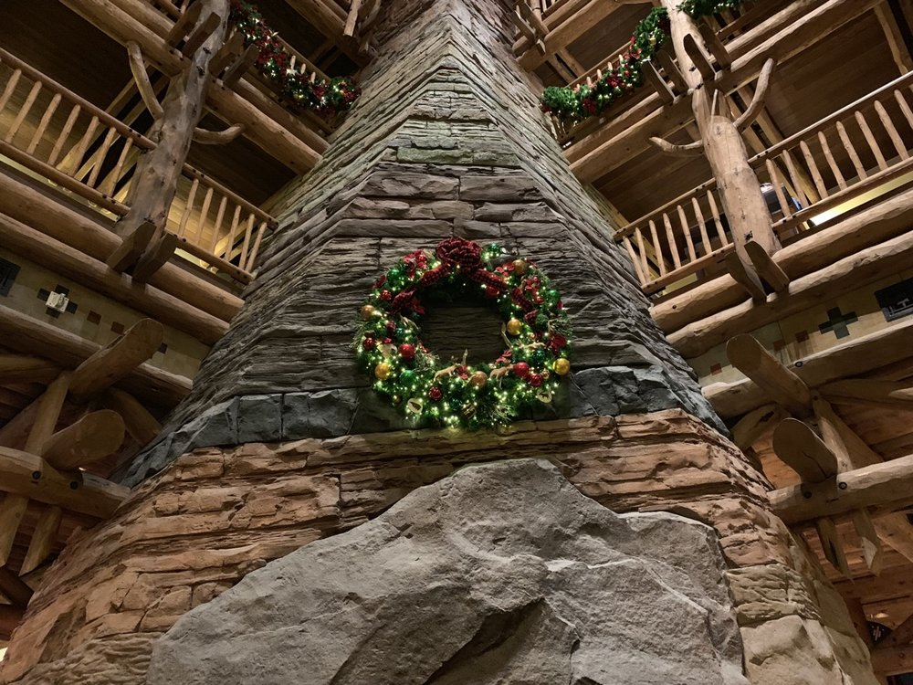 disney world hotels christmas decorations wilderness lodge 4.jpg