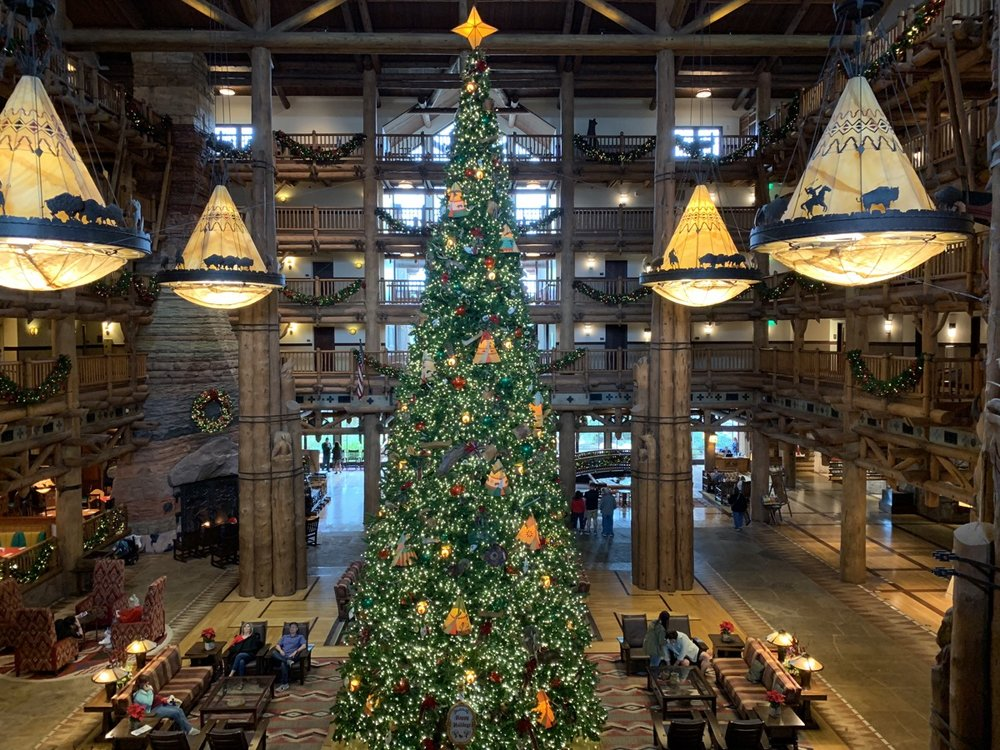 disney world hotels christmas decorations wilderness lodge tree 1.jpg