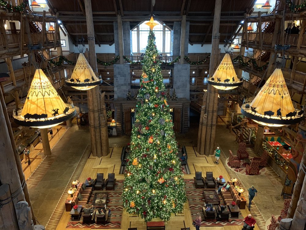 disney world hotels christmas decorations wilderness lodge tree 3.jpg