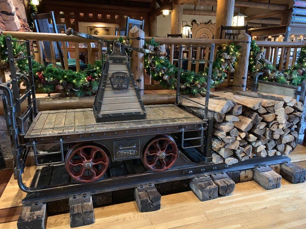 disneys wilderness lodge review lobby grounds 9.jpg