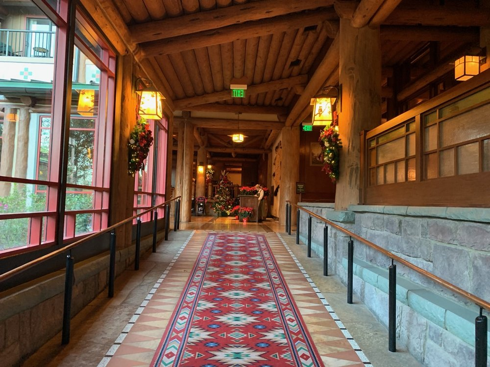 disneys wilderness lodge review lobby grounds 10.jpg