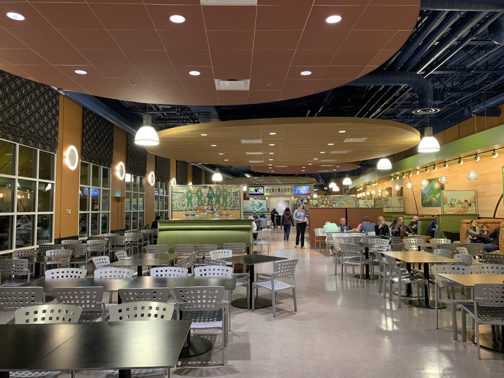 disney world all star sports resort review end zone food court 6.jpeg