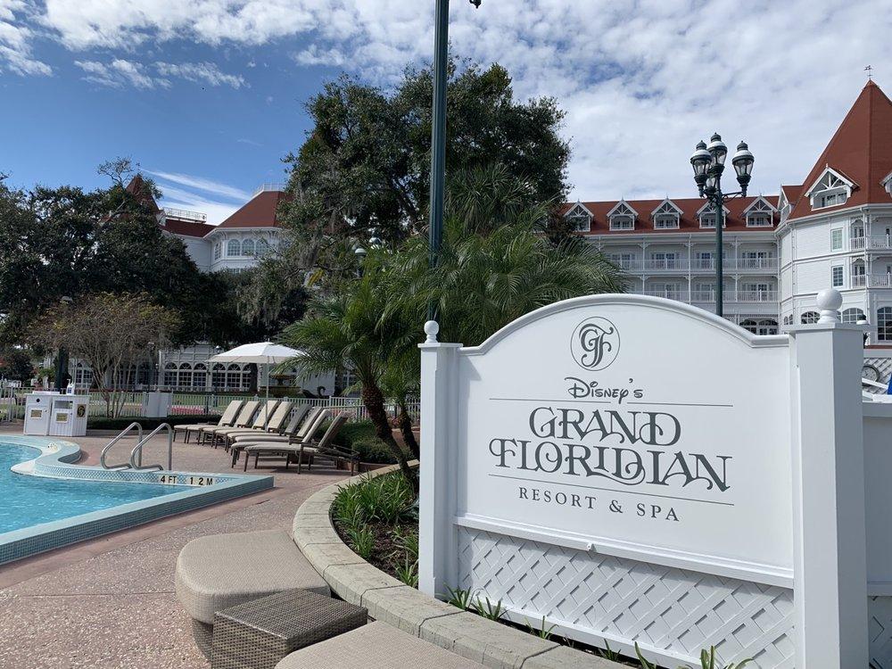 disneys grand floridian resort review signage 2.jpeg