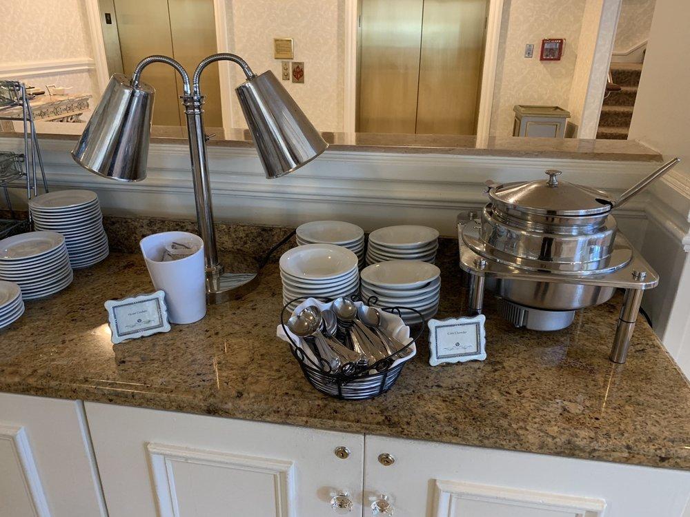 disneys grand floridian resort royal palm club refreshments 2.jpeg