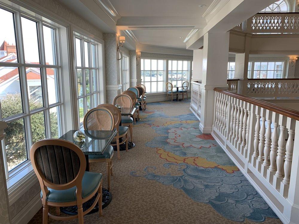 disney grand floridian royal palm club level review main lounge 3.jpeg