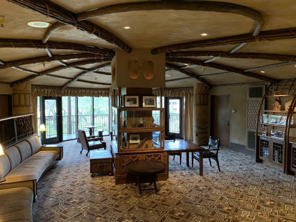 disney animal kingdom lodge review sunset lounge 4.jpeg