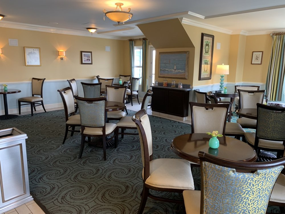 disney beach club club level stone harbor lounge review room a2.jpeg