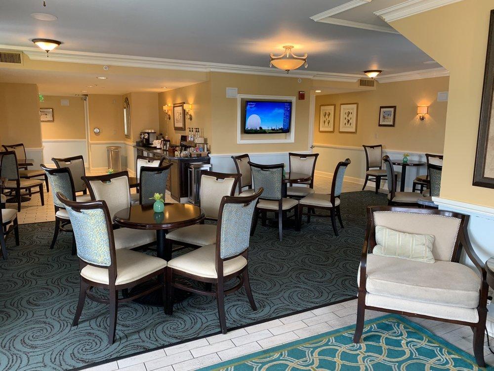 disney beach club club level stone harbor lounge review room a4.jpeg