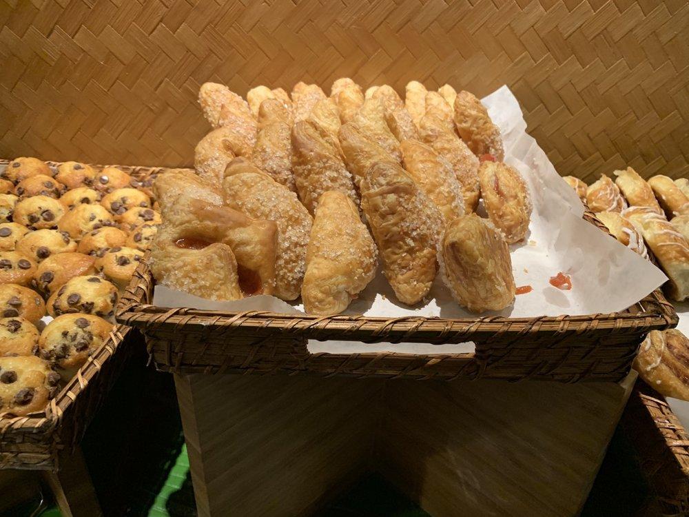 disney polynesian village king kamehameha club level review breakfast 8.jpeg
