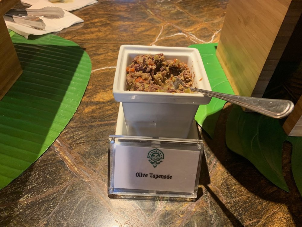 disney polynesian village king kamehameha club level review appetizers 3.jpeg