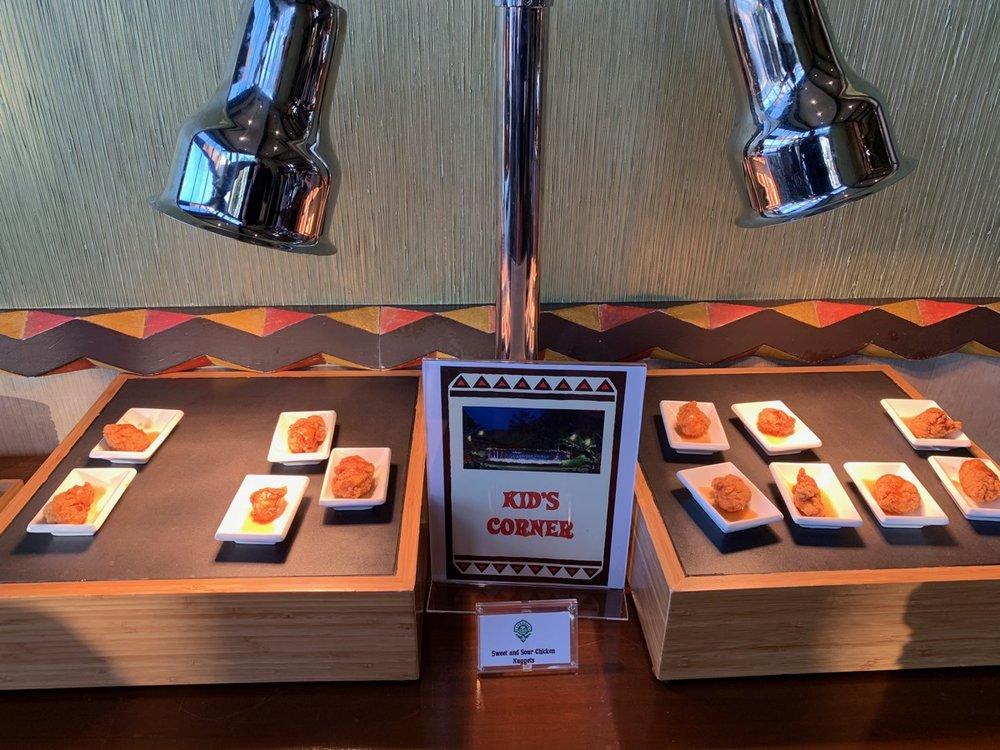 disney polynesian village king kamehameha club level review appetizers 12.jpeg