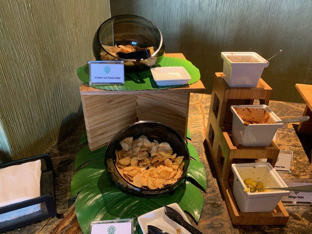 disney polynesian village king kamehameha club level review refreshments 1.jpeg