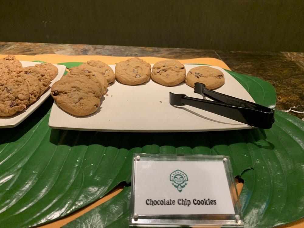 disney polynesian village king kamehameha club level review dessert 6.jpeg