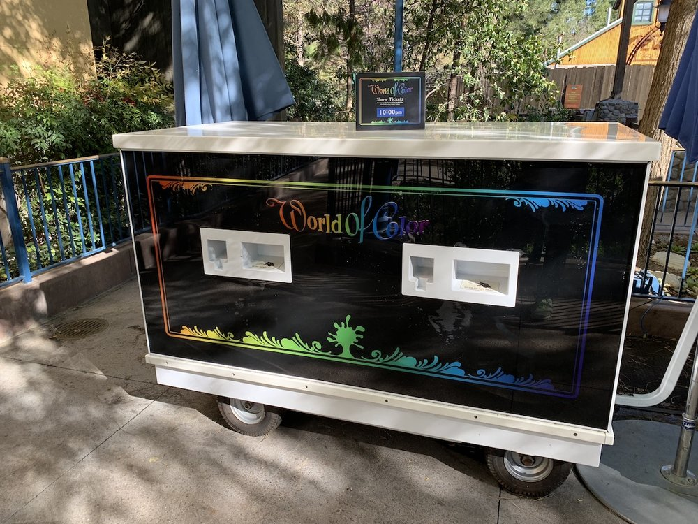 disney california adventure one day itinerary world of color kiosk.jpeg