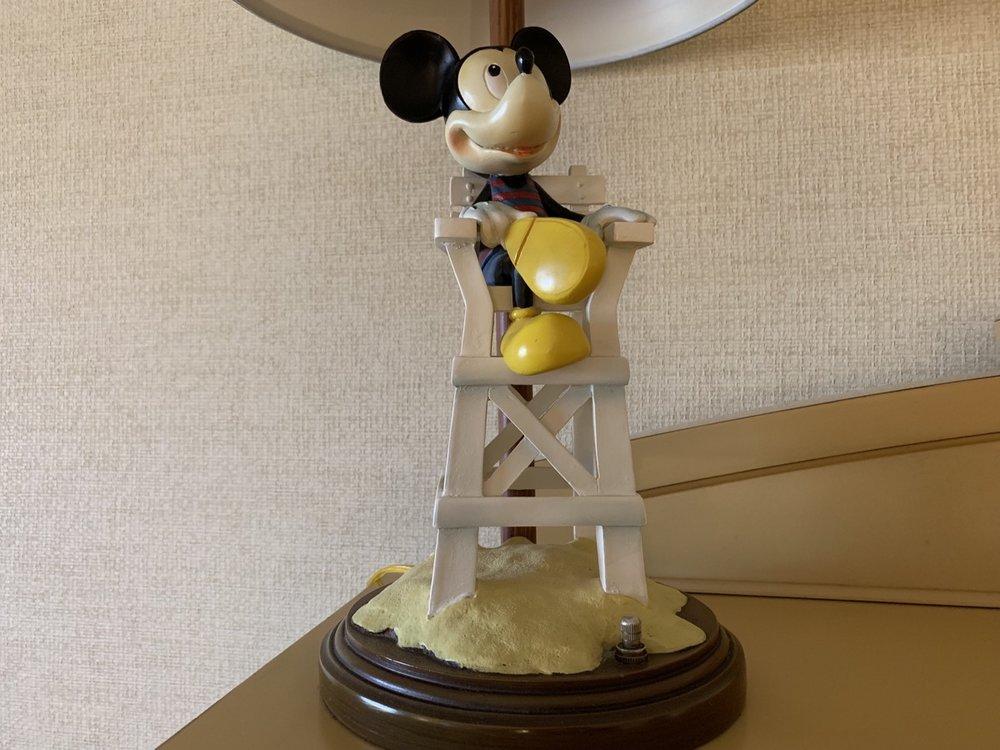 disney paradise pier hotel review room detail 1.jpeg