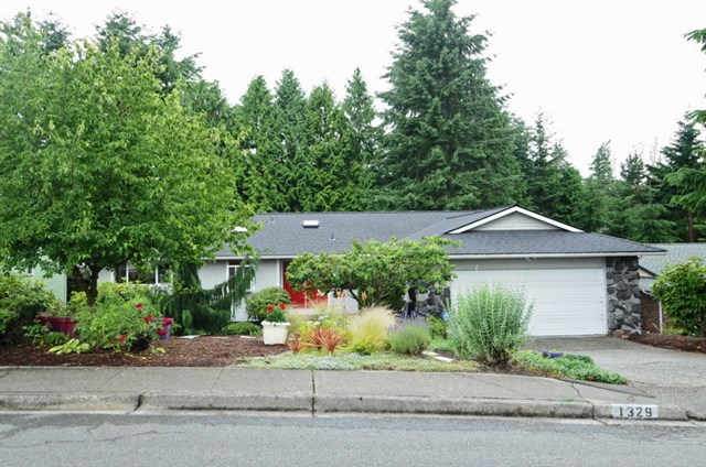 1329 176th Ave NE, Bellevue | $635,000