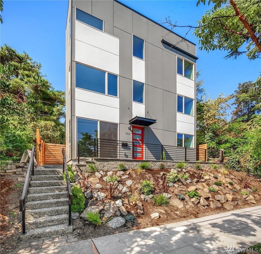 111 27th Ave E, Seattle | $980,000 | Represented the Buyer