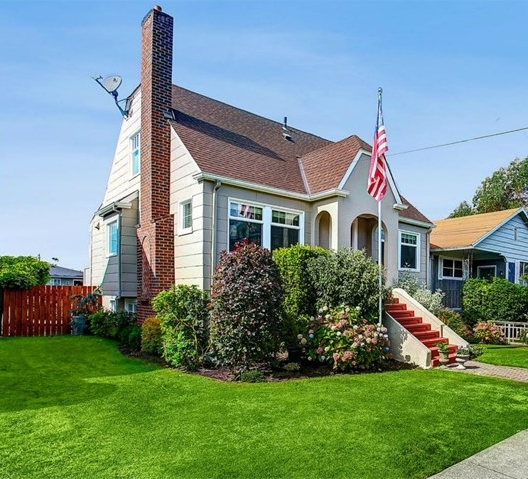 2317 42nd Ave E, Seattle | $1,005,000 | Listed and Sold