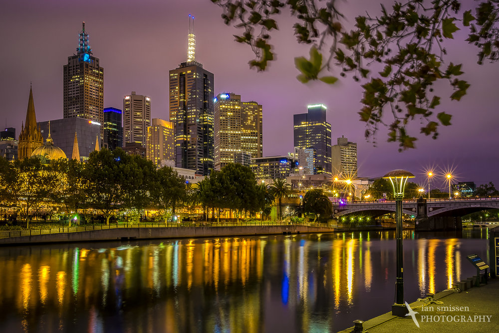 Melbourne and Yarra River at dusk
