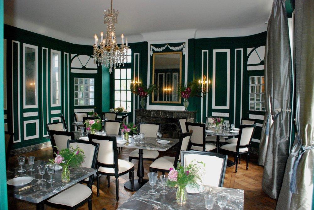 THE PRINCIPAL DINING ROOM