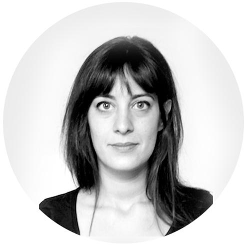 Marina Mandozzi - Architecte chef de projetElle a étudié à l'Ecole Polytechnique de Millan ou en suite elle prend part d'une jeune équipe, FUZZ atelier, orientée vers la conception architecturale et paysagiste, ainsi que à la réalisation des scénographies pour l'événementielEn 2013 elle s'installe à Paris et travaille deux ans pour une agence s'occupant d'architecture et espace publique. Son intérêt pour tout type d'échelle d'architecture et pour l'interdisciplinarité de l'architecture même, l'amène à collaborer avec des équipes variées aux compétences complémentaires : architectes, décorateurs, paysagistes, graphistes et scénographes, capables de répondre aux différents besoins des clients.Ainsi elle rencontre Riccardo Haiat et rejoint son studio ou les formes jouent avec la lumière, les matières nobles, les couleurs et les sensations.