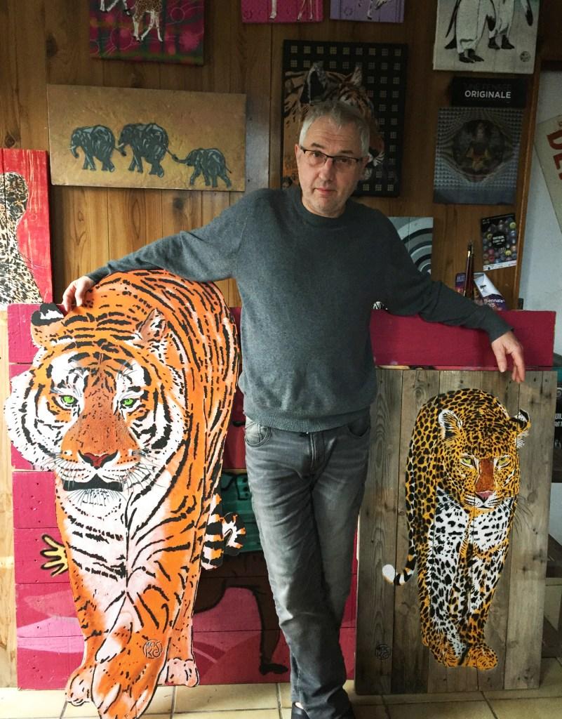 Mosko dans son atelier