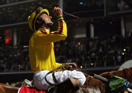jockey-looking-up.jpg