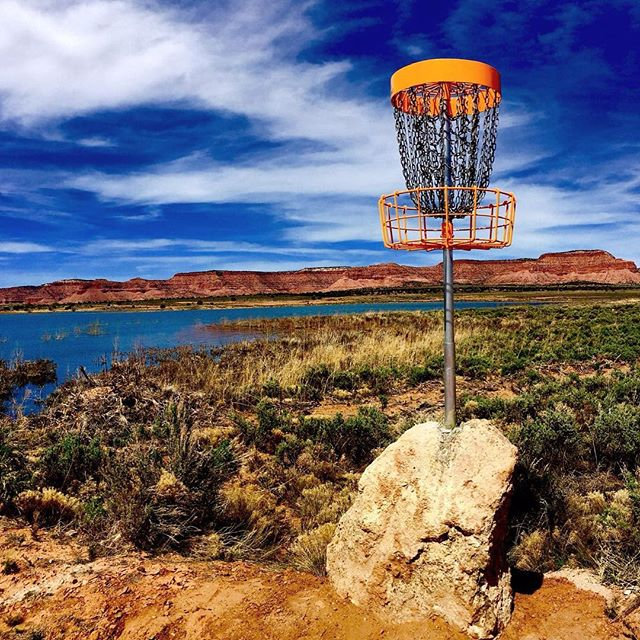 Hard to beat a view like that! Have a great weekend everyone 😎 How do you approach elevated baskets like this one? • • #prodigydisc #poweredbyprodigy #throwprodigy #discgolf