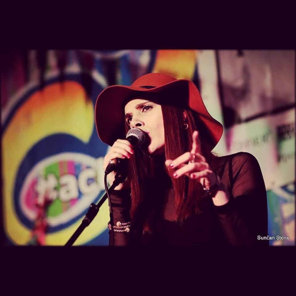 Vina Rose - Singer @ Green Rooms Hotel