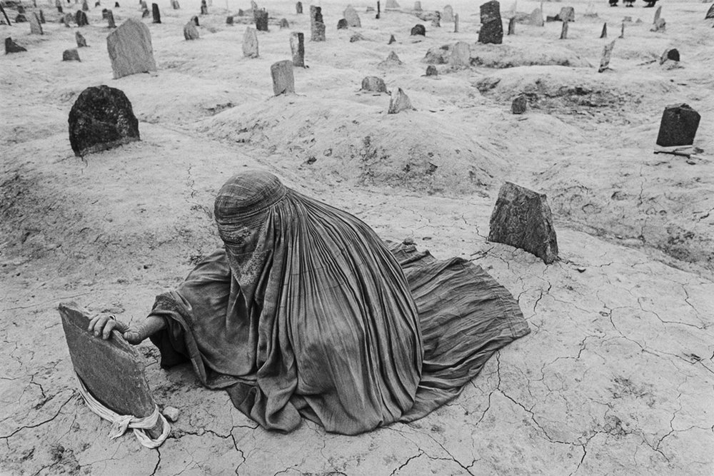 james-nachtwey-afghanistan-1996.jpg