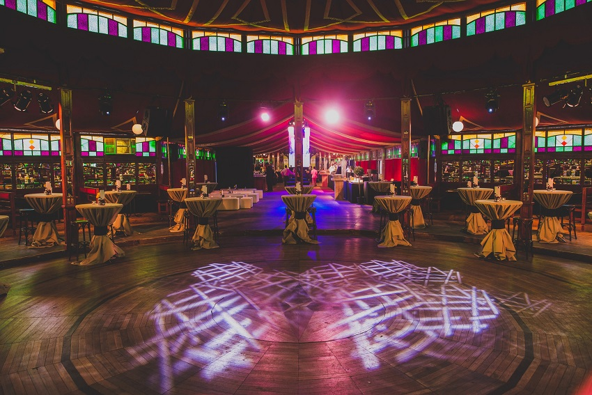 Event Etap in dubbele spiegeltent - walking dinner voor 350 personen