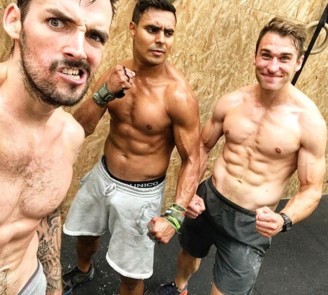 Repost @_kjos «Team démo @silvaticuscrossfit  With @donnykfigueroa & @heavyirain  #silvaticuscrossfit #crossfit #workout #paris #fitness  #motivation #sport #crossfitaffiliate #crossfitfrance #crossfitparis #gym #training»