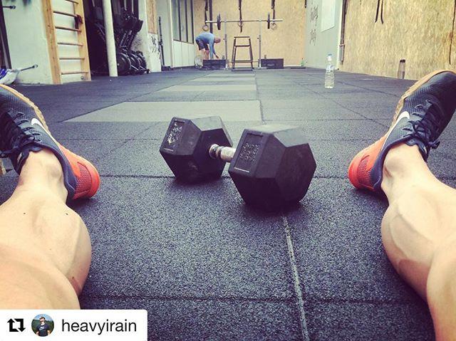 Le cycle de septembre va laisser des traces 😜  #Repost @heavyirain ・・・ «Mercredi c'est METCON loooooong chez @silvaticuscrossfit !! 😅  #popcorn»  #silvaticuscrossfit #crossfit #workout #paris #fitness  #motivation #sport #crossfitaffiliate #crossfitfrance #crossfitparis #gym #training