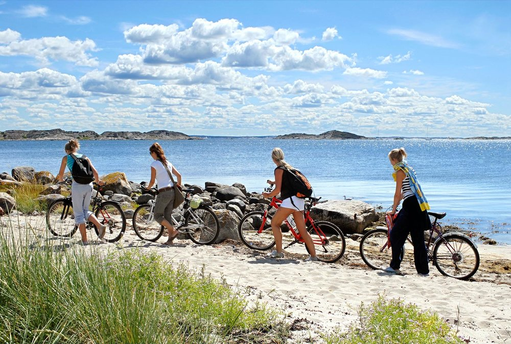 It is typically Scandinavian to bring a bicycle with you on   island hopping    TIPS