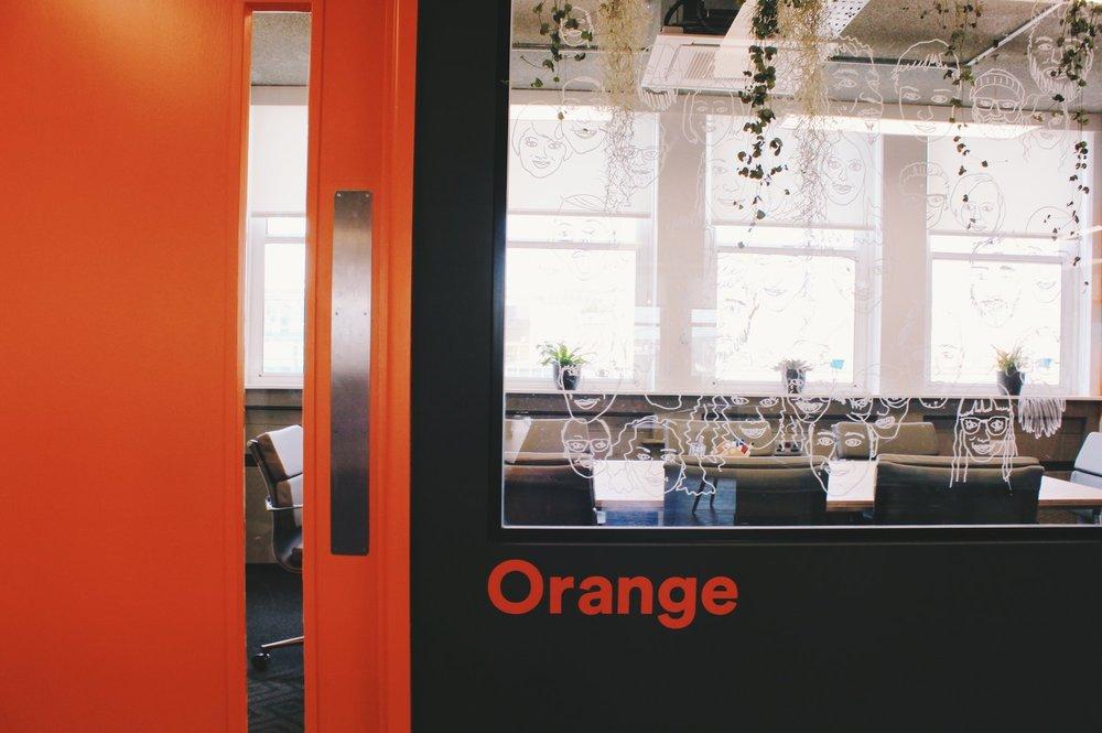 orangemeetingroom_platf9rm.jpg