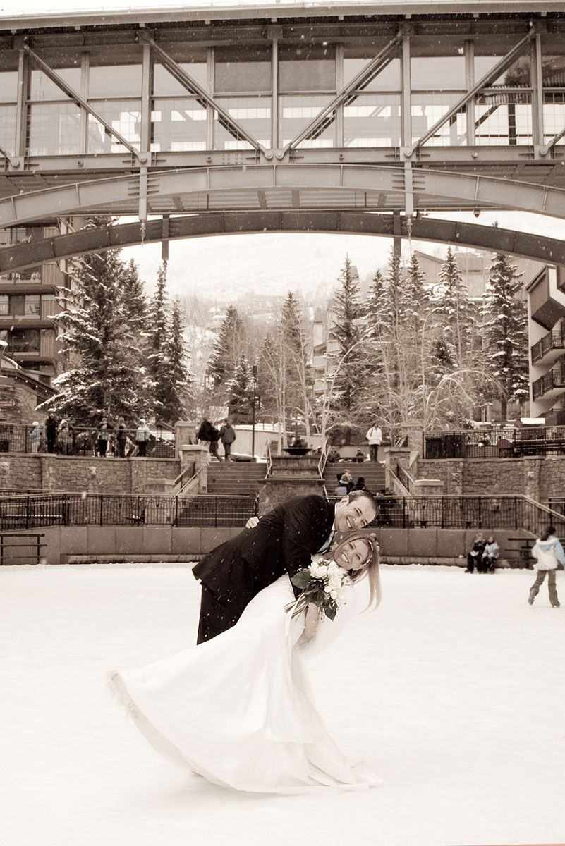 Arrabelle-Vail-wedding-photographer-axelphoto.jpg