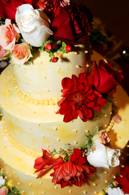 Best-wedding-cakes-vail-co-axelphoto.jpg