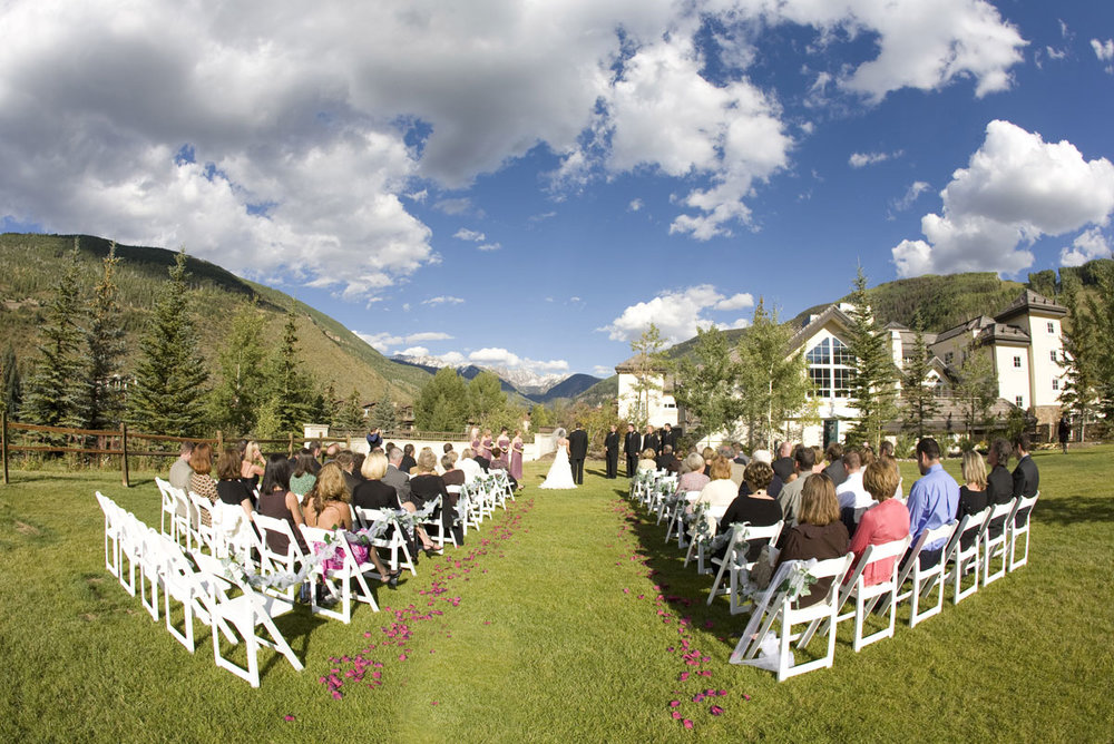 Weddings-at-Larkspur-Vail-axelphoto.jpg