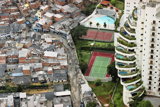 Gated community in Sao Paulo, Brazil. Source: Tuca Vieira.